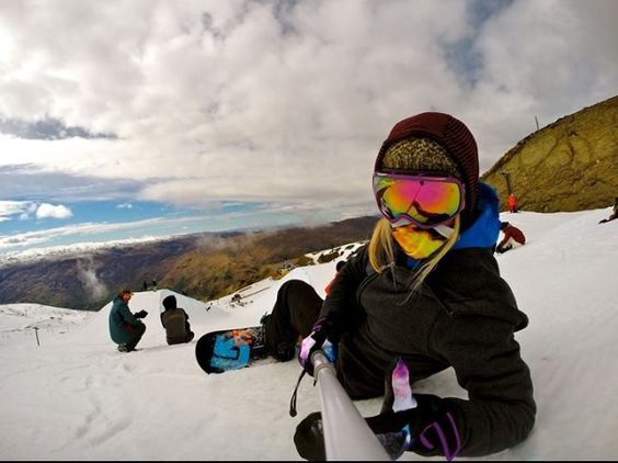 Blonde Snowboarding 32