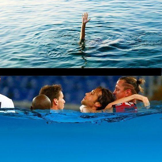 Philippe Mexes ratuje Stefano Mauriego • Zabawne memy w piłce nożnej • Philippe Mexes wcielił się w rolę ratownika • Wejdź i zobacz >>