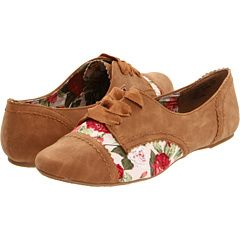 Seriously cute, perfect for walking around, can wear with dresses or pants/shorts, 35 bucks. damn!