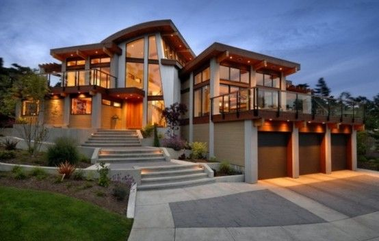 Located in Canada, this modern home was designed by the architecture studio Keith Baker. There are 3 bedrooms, a living room, two bathrooms and many service rooms. Sexy!