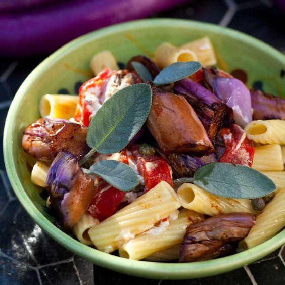 Pâtes aux poivrons et aubergines Découvrir la recette ensoleillée des pâtes au poivrons et aubergines