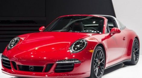 Porsche 911 Targa 4 GTS and Cayenne Turbo S at 2015 NAIAS