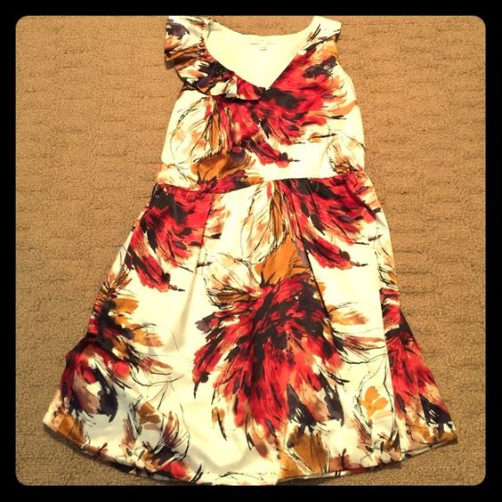Lauren Conrad White Floral Print Dress Size 8 EUC Lauren Conrad Sleeveless White Floral Print Dress with Pockets!!!! size 8 Excellent Used Condition!!!! LC Lauren Conrad Dresses Midi