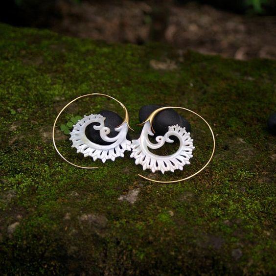 Mother of Pearl Earrings gold plated earrings ocean by Zephyr9