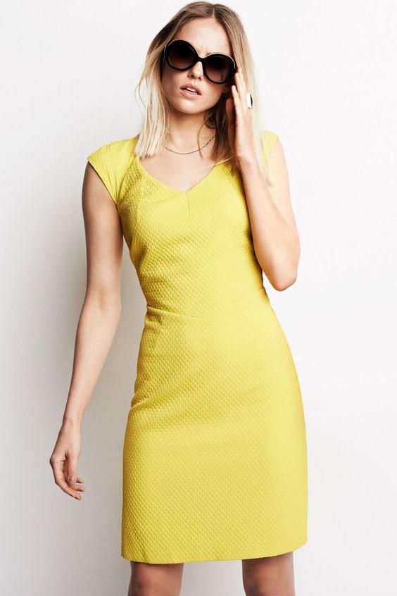 Stijlvolle jurk met speelse flock print Limegroen