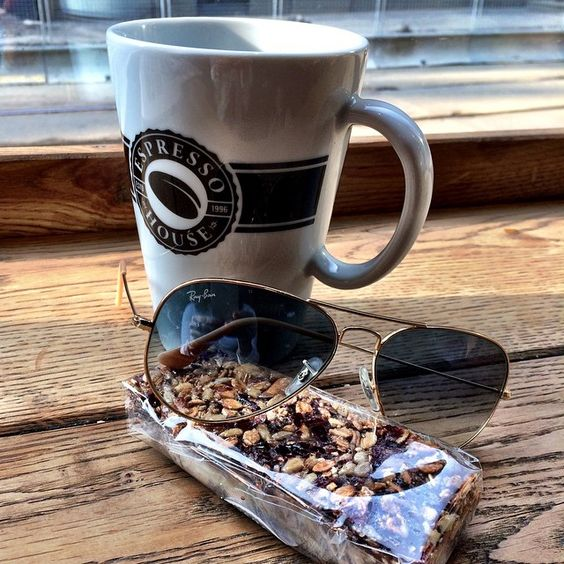 Ray-Ban #aviator #sunglasses with espresso: perfect start http://www.smartbuyglasses.com/designer-sunglasses/Ray-Ban/Ray-Ban-RB3025-Aviator-Large-Metal-L0205-19152.html?utm_source=pinterest&utm_medium=social&utm_campaign=PT post