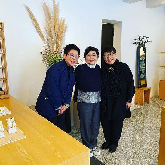 会津の小さなお店 坂本これくしょん 泉ピン子さん 坂本これくしょん tv取材で泉ピン子さんが来て下さいました 11月11日夜7時からtufにて福島県内放映です まるで台風の目 のようでしたが愛を頂きまし