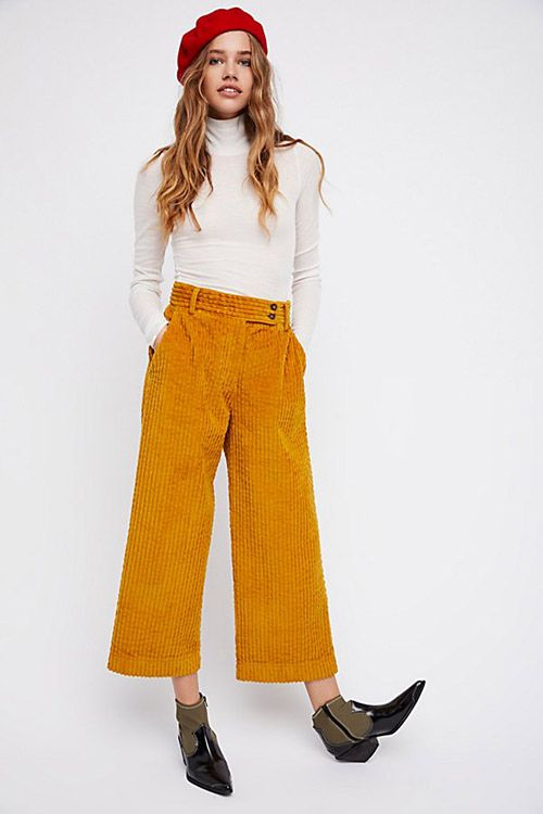 15 Pantalones De Pana De Mujer Que Vas A Querer Nomad Bubbles Pantalones De Pana Pantalones Color Mostaza Pantalones