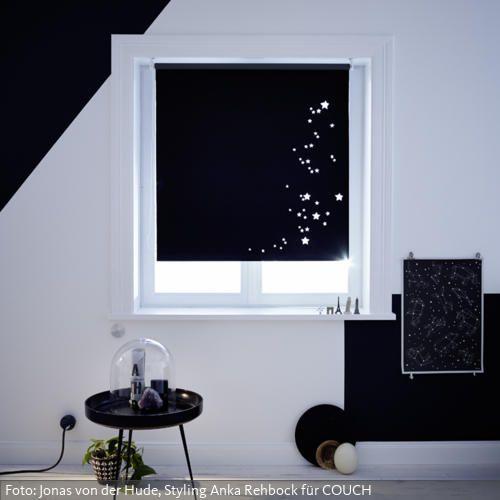 Blickdichtes Rollo mit Sternbildern. Anleitung unter www.couch-mag.de/selfmade
