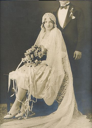 Невеста и младоженец, 1920 г.