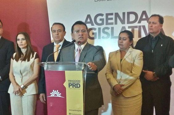 Los 50 ediles del sol azteca firmaron el convenio del Mando Único Policial, esquema necesario para resarcir las deficiencias en materia de seguridad que enfrenta el estado, destaca el dirigente ...