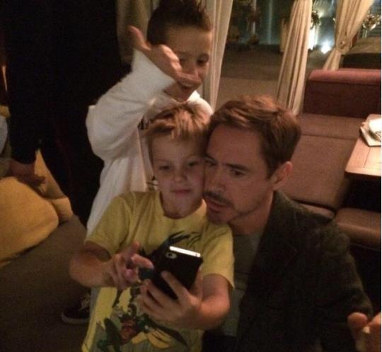 """Robert Downey Jr Kids: Robert Downey Jr. Visiting With His """"Weird Science"""