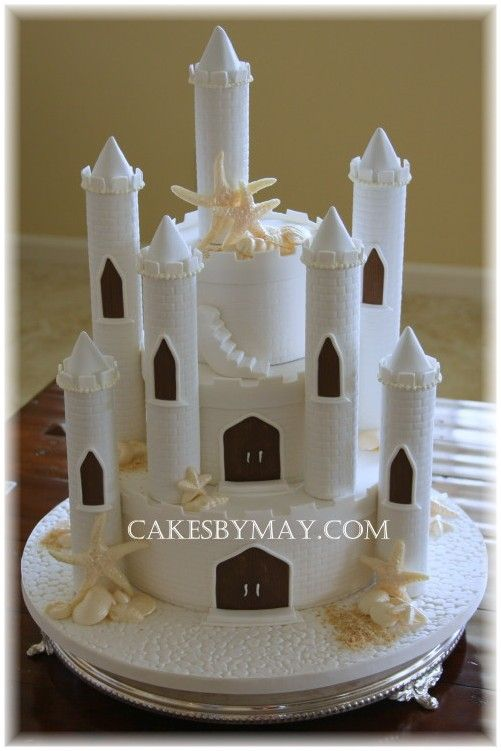 Sand castle wedding cake: