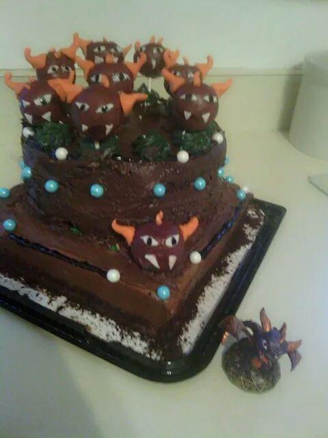 Dustyns 11th bday cake Skylanders