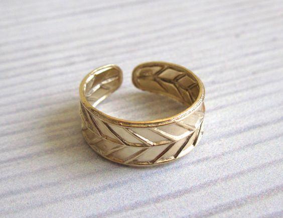 Gold Toe Ring Gold Filled Adjustable Toe Ring Leaf by baronykajd