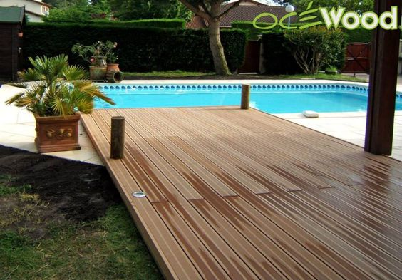 un effet ponton tropicale pour cette belle plage de piscine en composite oc wood http www. Black Bedroom Furniture Sets. Home Design Ideas