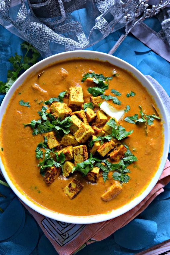 Vegan Tofu Tikka Masala - A Healthy Indian Meal - Cookilicious - Vegan Tofu Tikka Masala is a Healthy Indian Meal cooked with aromatic spices & flavors. Tofu is substituted for paneer to make it nutritious for vegetarians