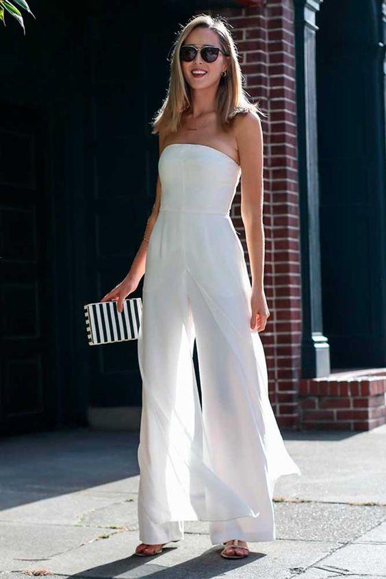 Комбинезон на выпускной вечер является отличной альтернативой традиционному платью. Этот вариант наряда способен подчеркнуть стильный образ и добавить особого шарма.