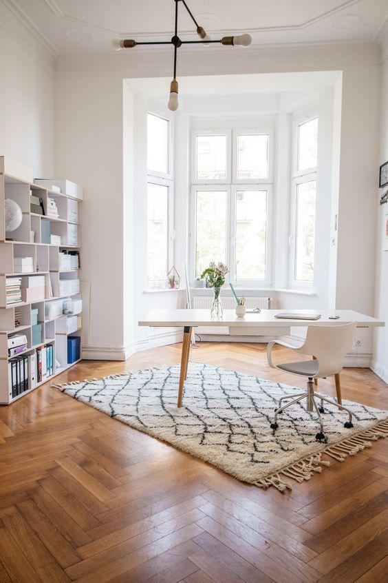weißes Büro, Schreibtische and Büros on Pinterest