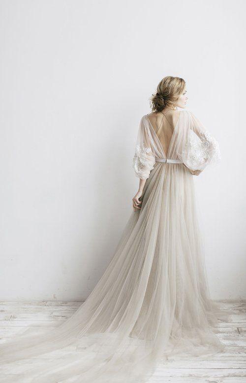20 Fine Art Wedding Dresses For Stylish Brides Wedding Dresses