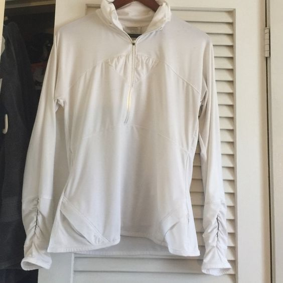 ATHLETA 1/4 zip work out top This is really great Athleta Tops Tees - Long Sleeve