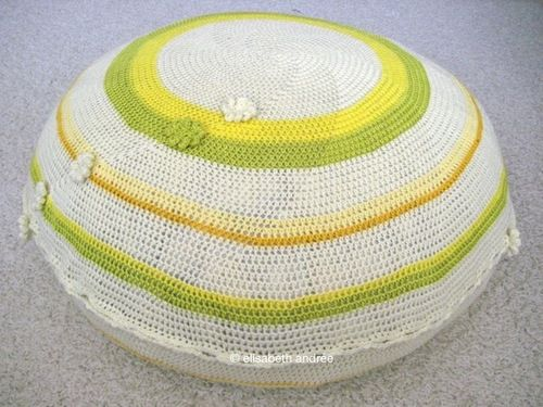 Tutorial working in rounds - to make a pouf and/or floor cushion - part 2.