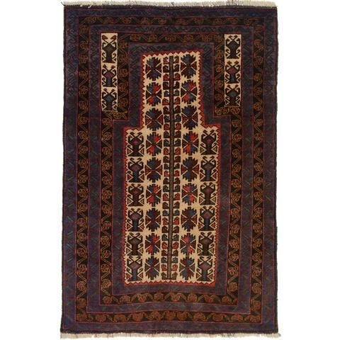 Prayer Rug 4 1 X 2 6 Ft Blc 212 Made Up Of 100 Authentic Wool Material This Handmade Age Is 1 5 Years It Is Available In Pe Prayer Rug Prayers Rugs