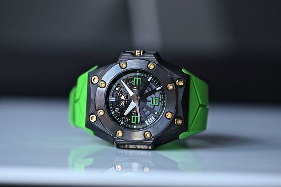 Special edition for Colette, Linde Werdelin Oktopus double date carbon green. Carbon case made by unique 3DTP technology