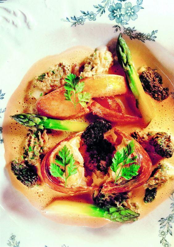 étuvée de homard aux morilles et asperges par Joël Robuchon