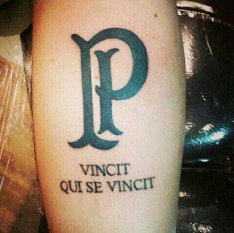 Vincit Qui Se Vincit Tattoo Designs