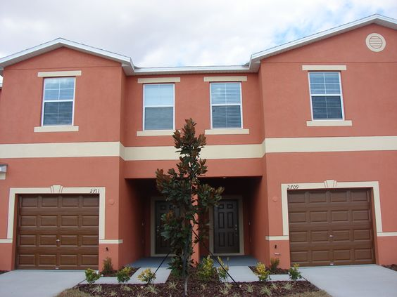Brandon Pointe Manors are located just off Causeway Boulevard in the heart of Brandon, only minutes from the Selmon Expressway and I-75, and across the street from the Westfield Brandon Shopping Mall. Brandon Florida 33511