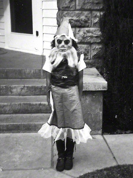 Vintage Halloween costume. Homemade creepiness at its best 彡: