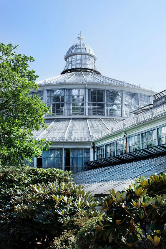 The garden is open from 8:30am-6pm. The Victorian Palm House is open from 10am-3pm Two entrances at; Øster Farimagsgade 2B & Gothersgade 130