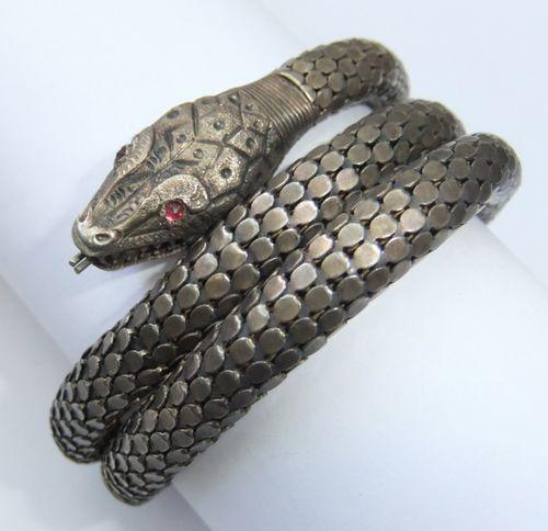Whiting & Davis bracelet