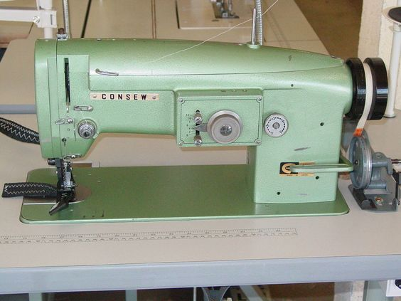 Industrial sewing machines walking and sewing machines on for Industrial servo motor tutorial