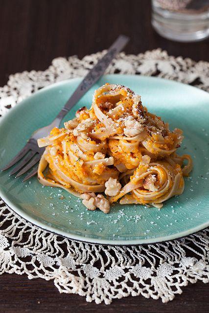 Pumpkin puree, Pumpkins and Pumpkin pasta on Pinterest