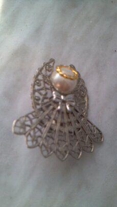 Silvertone Angel Brooch...sweet ..vintage by KenoleeEnterprises