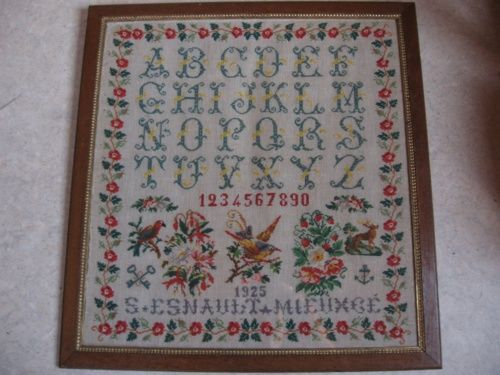 A Pretty 20th Century French Sampler Dated 1925