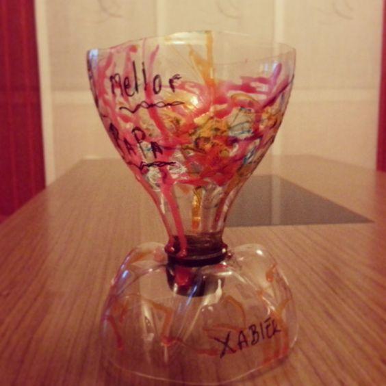 Una copa de lo m s resultona resultado del reciclaje - Botellas de plastico manualidades ...