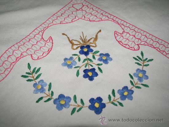 Dibujos para bordar manteles a mano imagui manteles - Manteles de mesa bordados ...