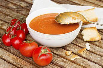 Vega goulashsoep met paprika, tomaat- Paprika, tomaat, deze soep bulkt van de groenten en is echt zalig!