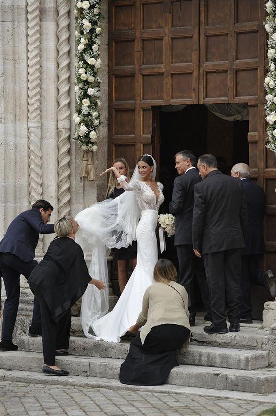 Le nozze di Mattia Destro & Ludovica Caramis - VanityFair.it  #wedding #Berta
