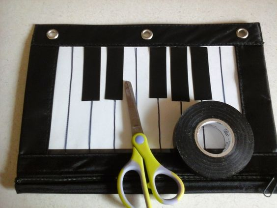 Heidi's Piano Studio: DIY Piano Pencil Bag Tutorial