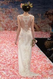 Great wedding dress for a fall wedding