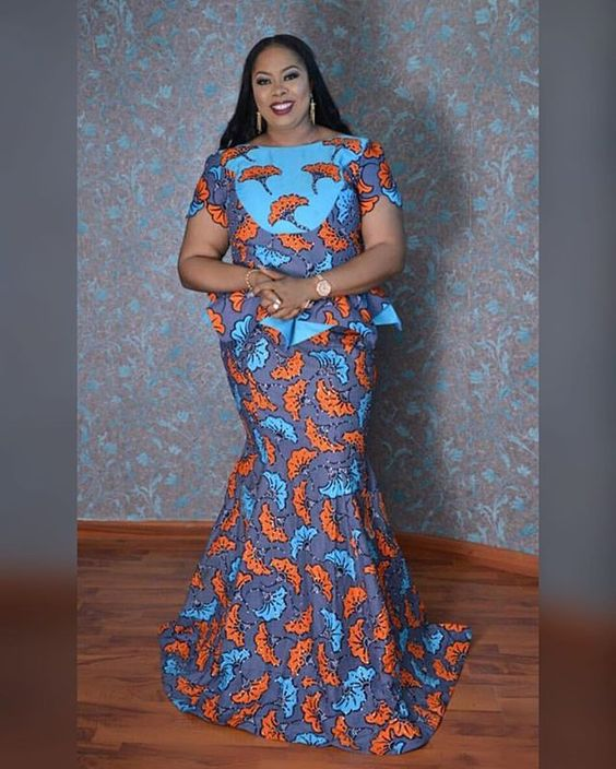 Life surely begins at 40, she rocks and slayed this look head to toe....... thanks for slaying our Ankara fabric ma. Your designer slayed it:
