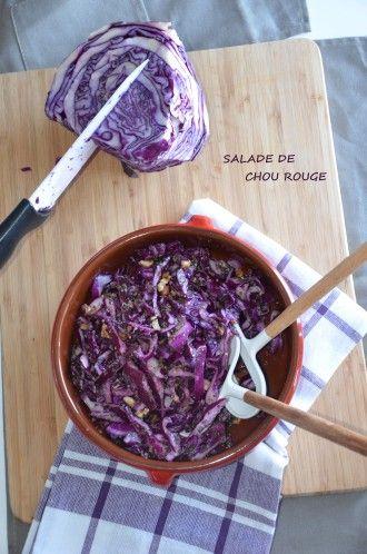 Selem alaykoum/Bonjour Voilà une petite idée rapide pour vos entrées du week-end!! Une petite salade de chou croquant...avec plein d'herbes et quelques noix concassées...absolument délicieux et très facile à faire! Ce légume est un vrai régal en salade,je...
