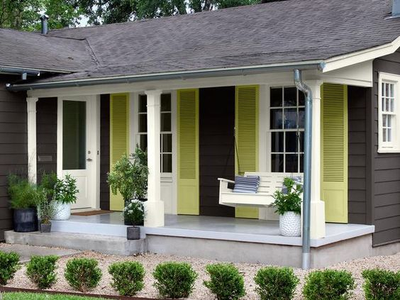 Before And After Cottage Makeover Gardens Paint Colors
