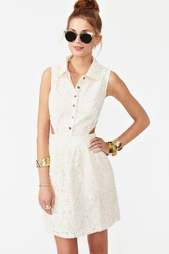 Carmen Lace Dress in Ivory