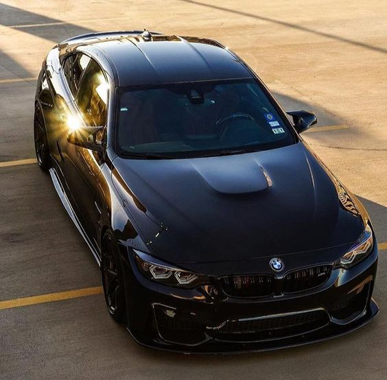 Black BMW M4