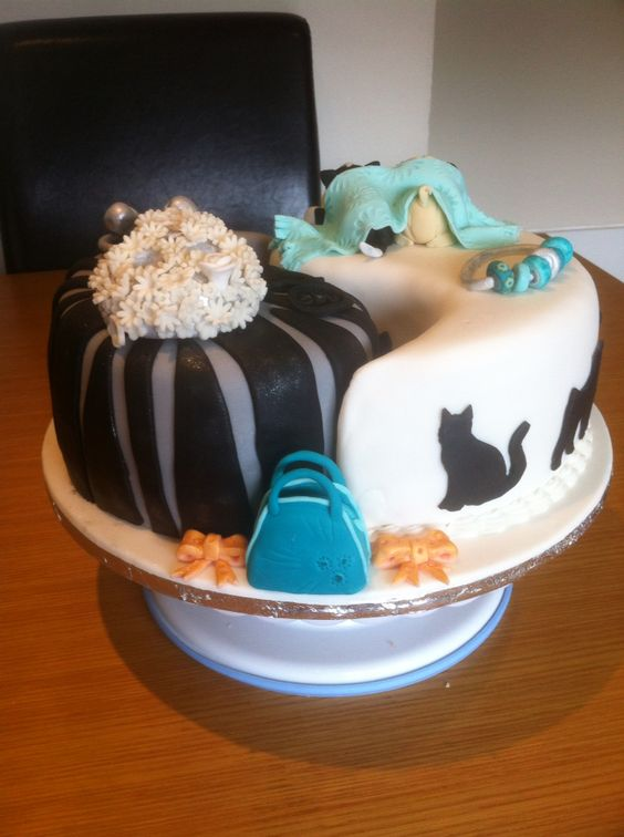 View from the back. By Cakes of Joy
